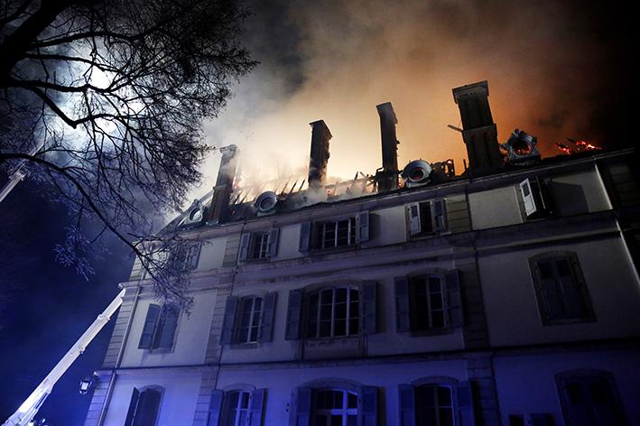 170118_incendie_chateau_divonneq10.jpg
