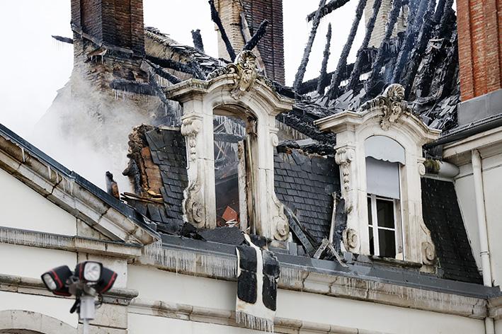170119_incendie_chateau_divonneq02.jpg