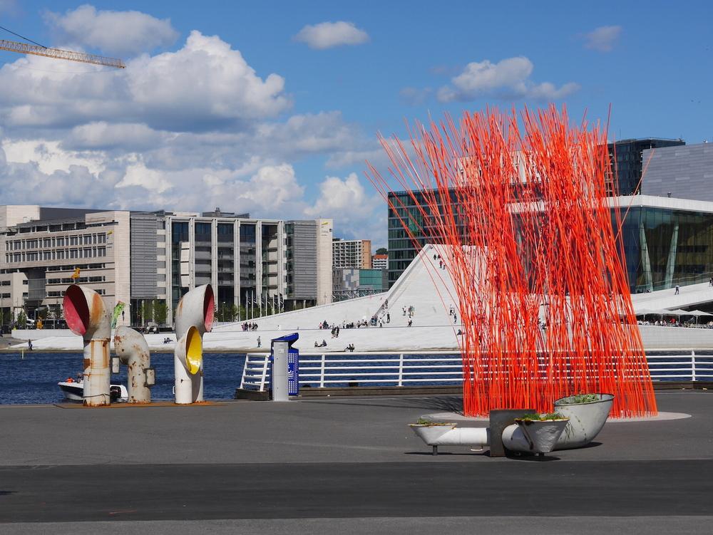 Evergreen  av Christian Bermudez. Kunst og historiefortelling i Oslos havn som del av Kunst i Oslos temporære kunstprosjekter.