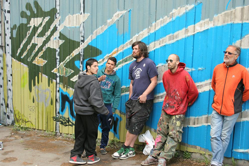 Fra prosjektet Gatekunst på Grorud t-banestasjon med kunstner Anders Gjennestad, elever og lærere fra Mash Motorsenter på Rommen i 2012. Foto: Anita Hillestad.