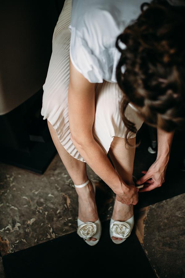 evabloem-bruidsfotografie-amsterdam-bruid-klaarmaken-4.jpg