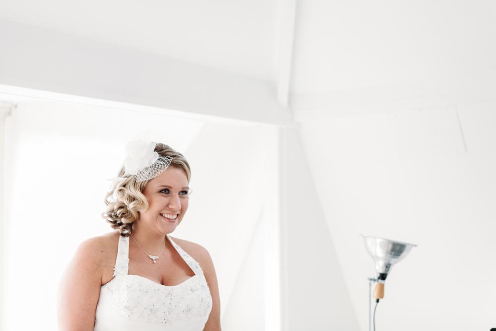evabloem-bruidsfotografie-amsterdam-bruid-klaarmaken-8.jpg