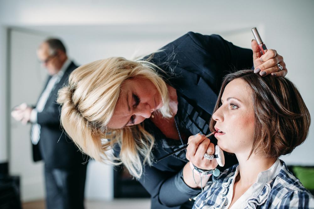 evabloem-bruidsfotografie-amsterdam-bruid-klaarmaken-5.jpg
