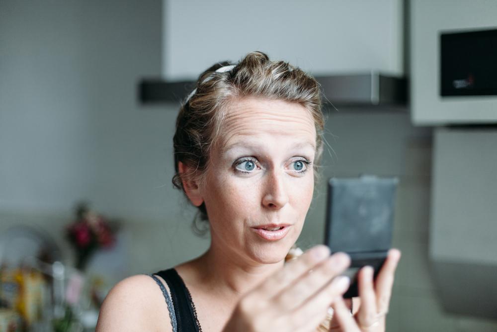 evabloem-bruidsfotografie-amsterdam-bruid-klaarmaken-14.jpg