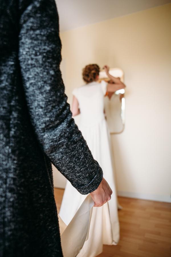evabloem-bruidsfotografie-amsterdam-bruid-klaarmaken-19.jpg