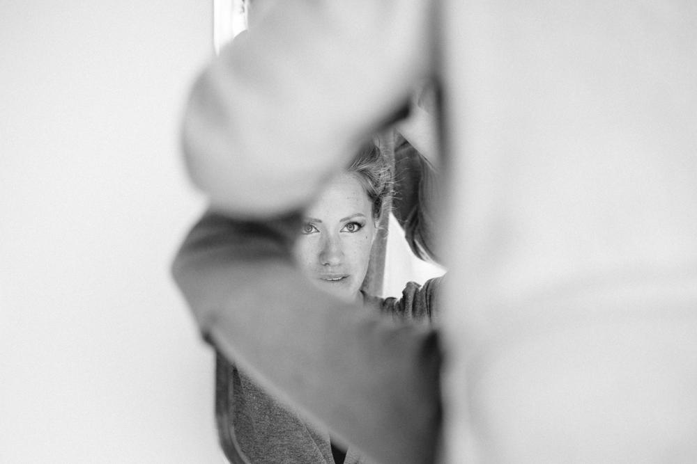 evabloem-bruidsfotografie-amsterdam-bruid-klaarmaken-17.jpg