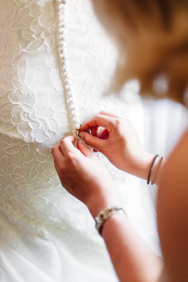 evabloem-bruidsfotografie-amsterdam-bruid-klaarmaken-20.jpg