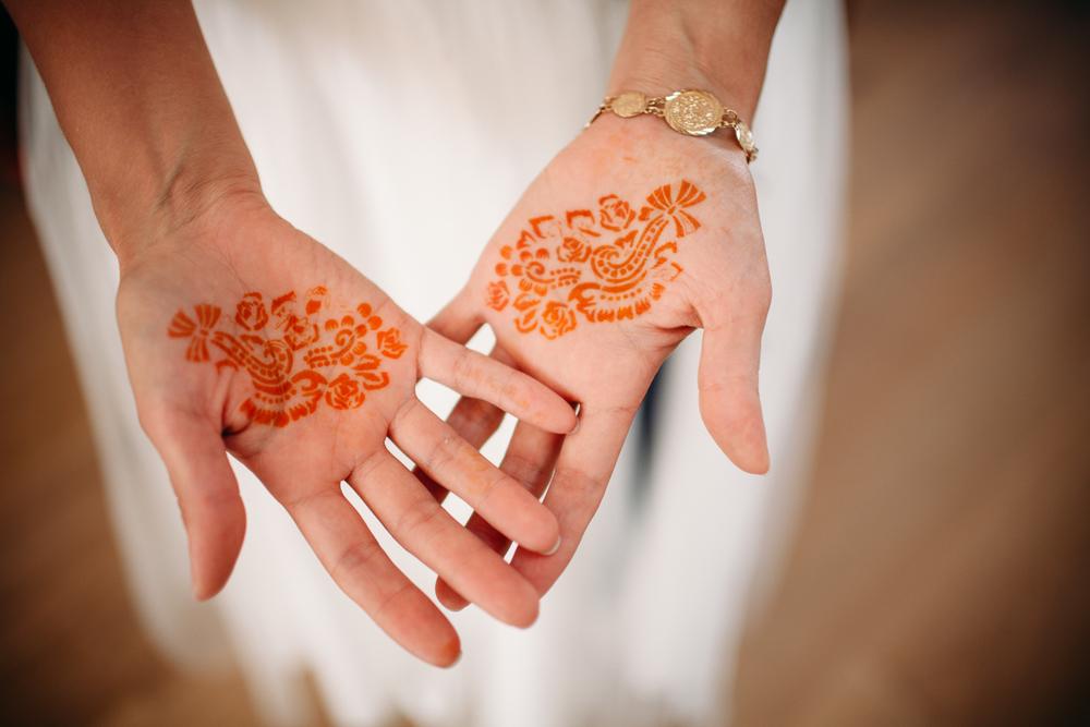 evabloem-bruidsfotografie-amsterdam-bruid-klaarmaken-25.jpg