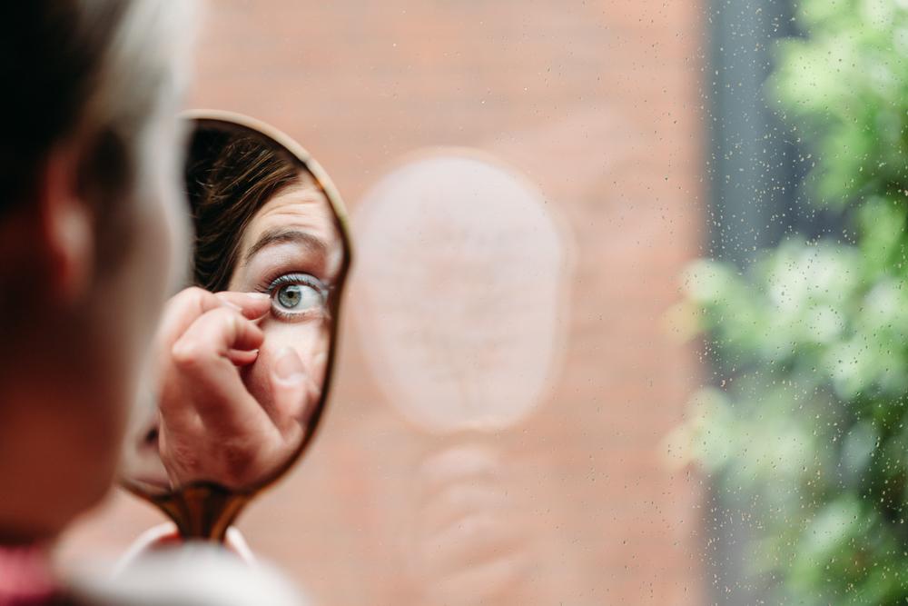 evabloem-bruidsfotografie-amsterdam-bruid-klaarmaken-32.jpg