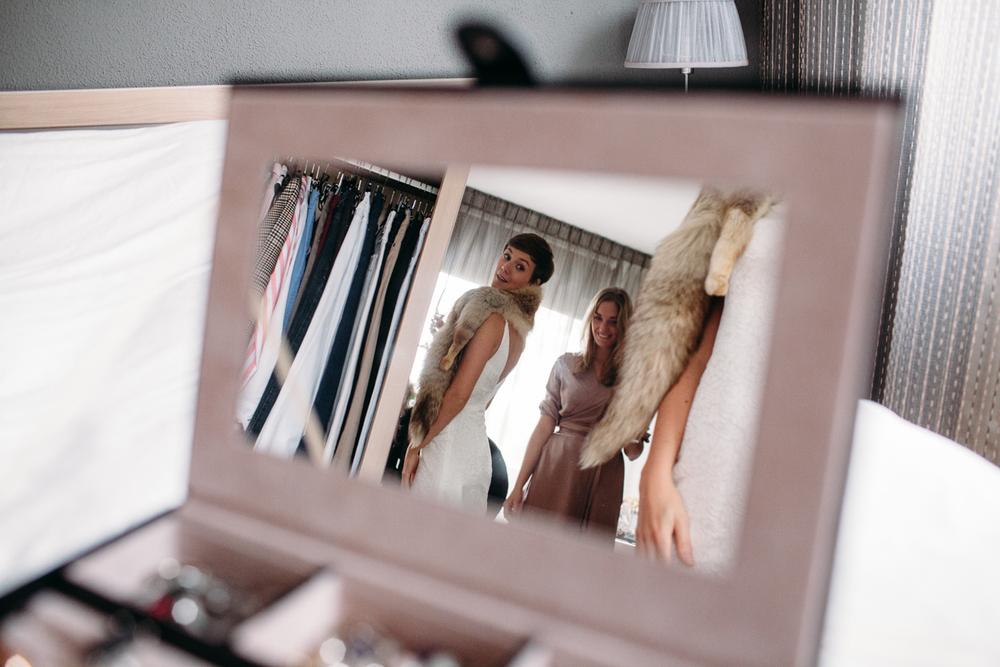 evabloem-bruidsfotografie-amsterdam-bruid-klaarmaken-28.jpg