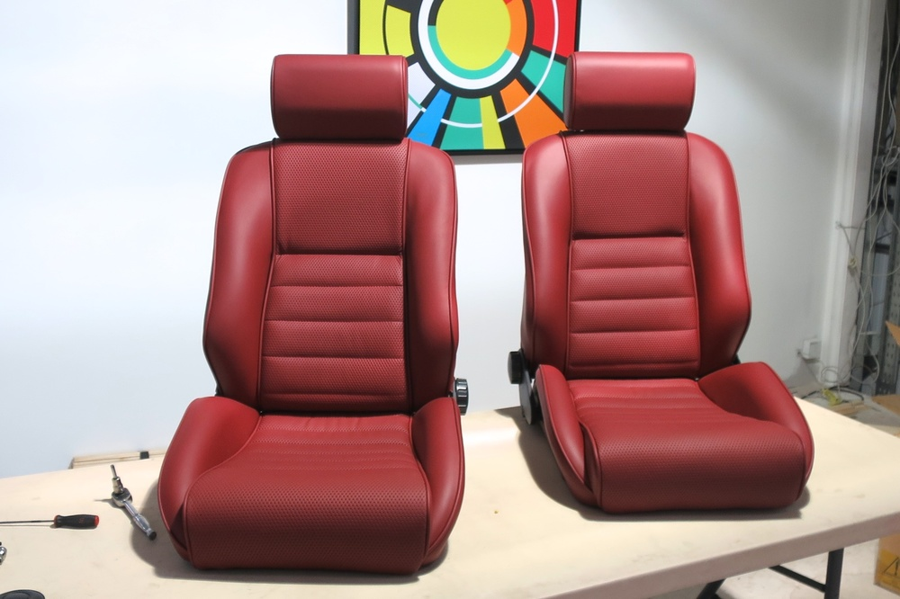 Front seats from Porsche 964 backdate