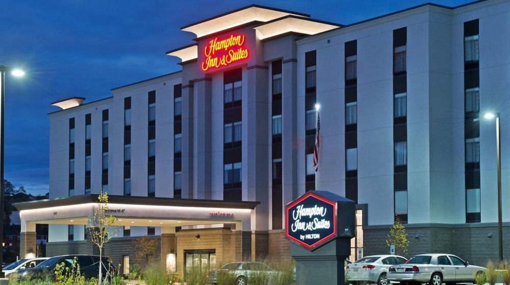Hampton Inn & Suites - IRWIN, PA