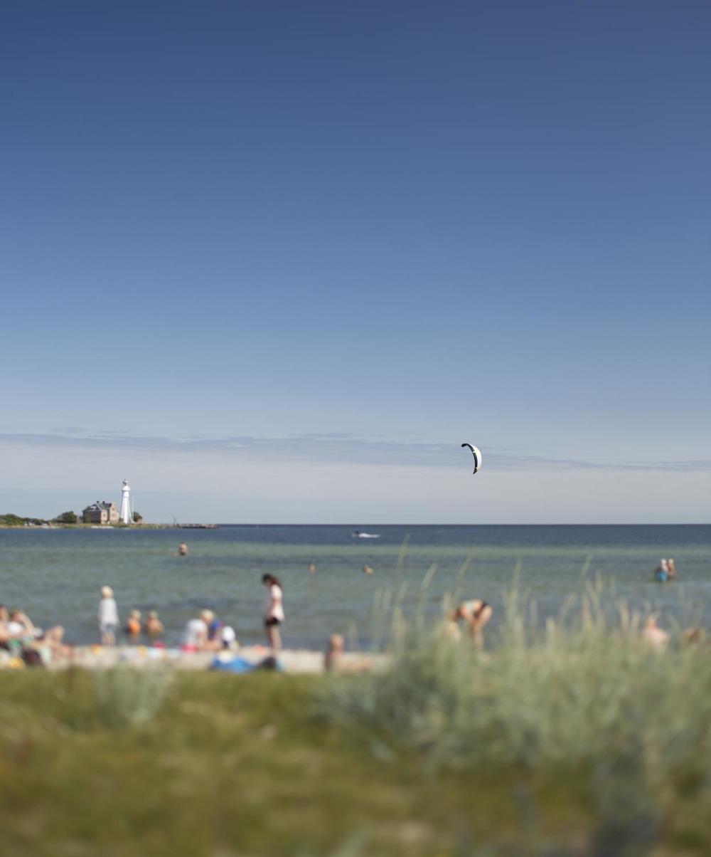 Ein weiterer Strand liegt gleich beim Högby fyr. Ein Geheimtip bei Nord-Ost Wind - spiegelglatt ist dann das Wasser. Einfach Traumhaft.