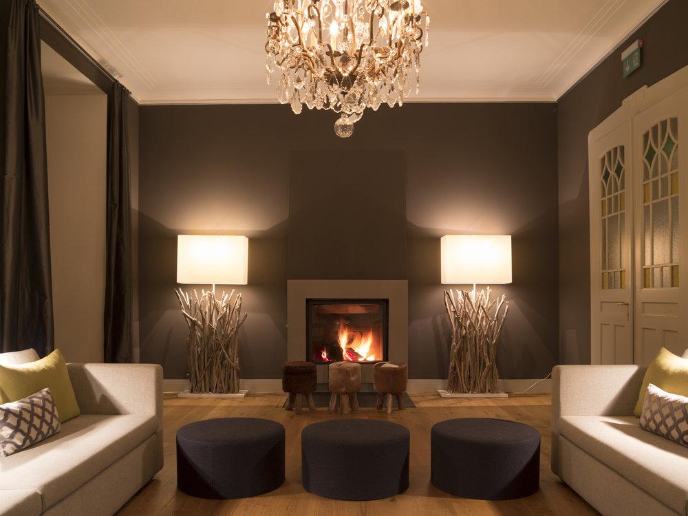 Nein, das ist kein 5-Sterne Hotel. Es ist das 2-Sterne Hotel Edelweiss in Davos. Und nein, es ist keine Photomontage - es sieht wirklich auch echt so toll aus :-)!