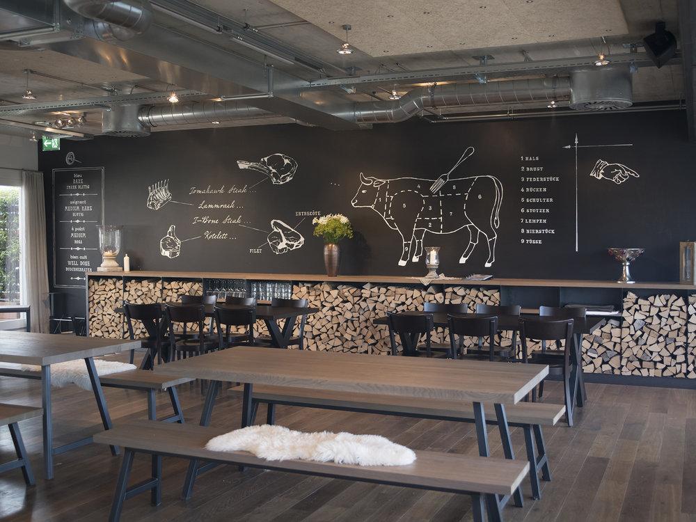 Das Restaurant Noa besticht durch excellente Grill Kompetenz in einer äusserst attraktiven Lokalität.