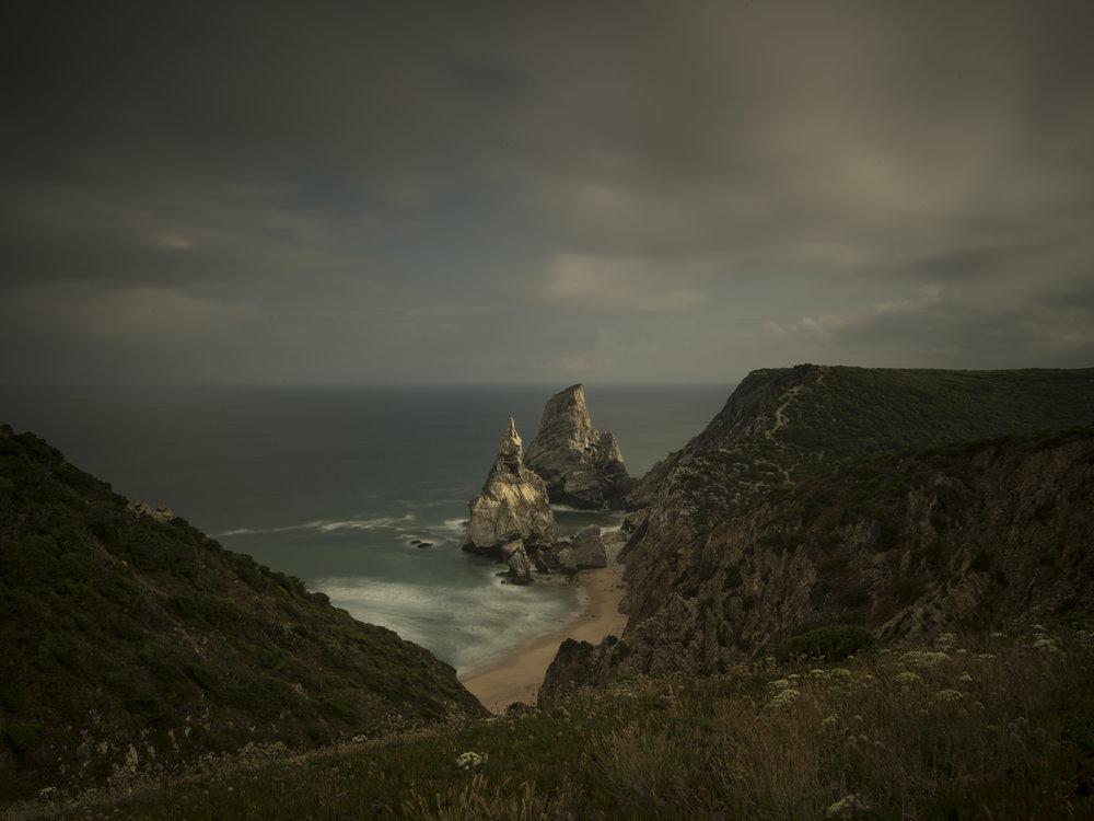 Praia da Ursa, nur einer der traumhaft schönen Strände in Portugal.