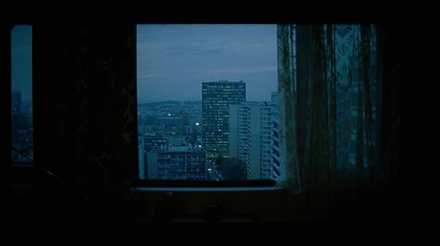 The 1.3x 16mm Hawk Anamorphics (@hawkanamorphic) and the Arri 416 is perhaps my most preffered combination. Shot this with @zackspiger on a film in Paris called Mr Martyr and fell in love with that format. @kodak @kodak_shootfilm