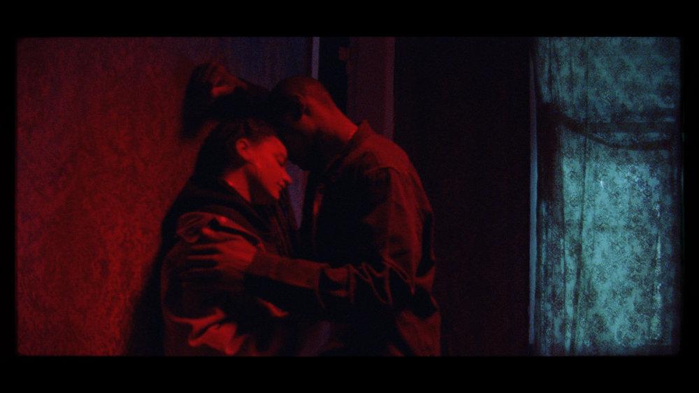 CineMag_068.01_10_22_18.Still300.jpg