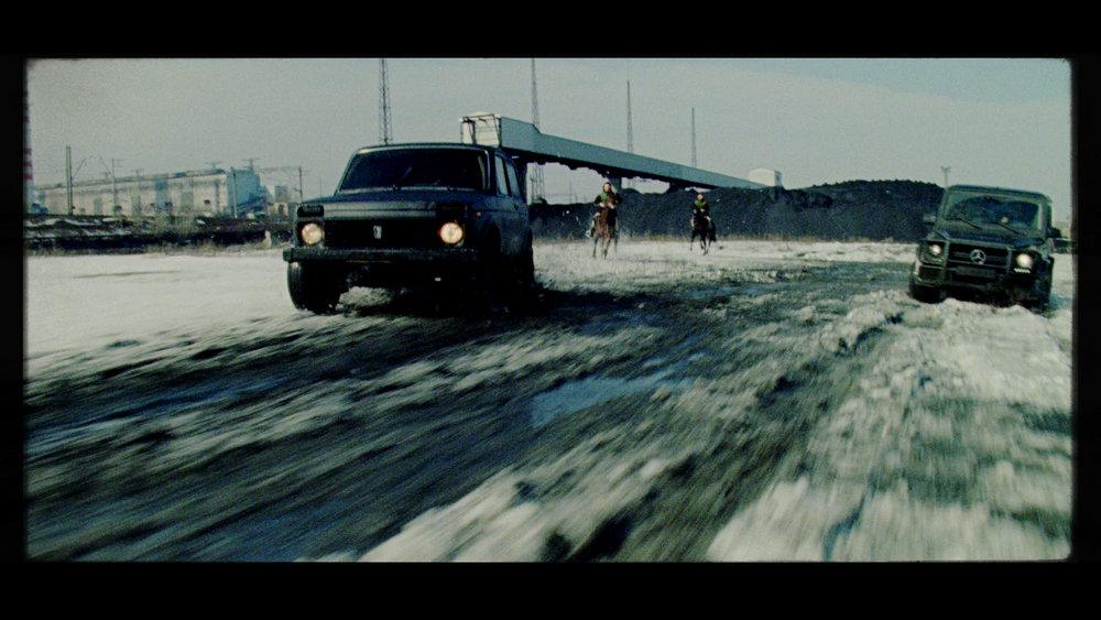 CineMag_068.02_37_14_11.Still220.jpg