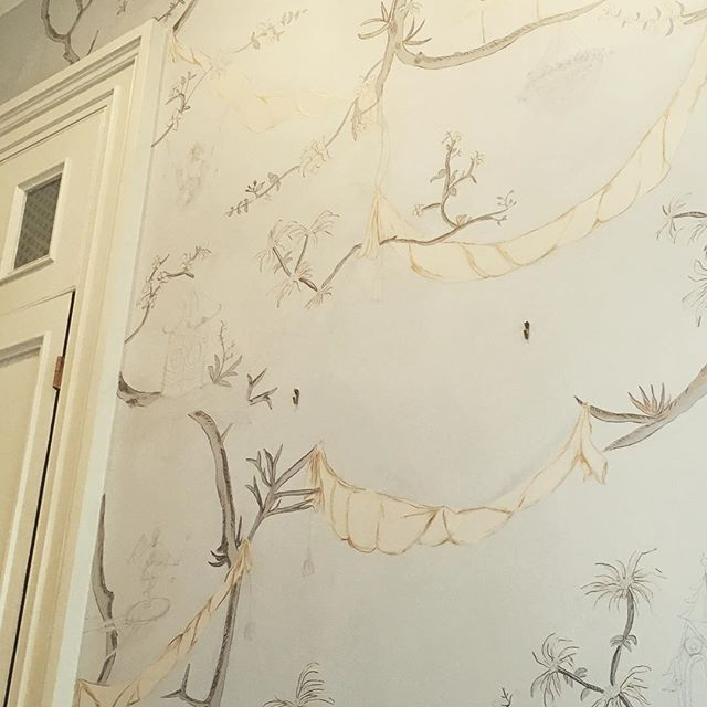 I've been busy y'all.  This #chinoiserie mural is without a doubt the most detailed and challenging project that has come across my path to date.  That said it has also been the most rewarding.  One day 2 years ago a designer from Memphis entered my life and let's just say I have never re-visited my comfort zone. The hard work pays off, now I better get back after it💪🏻#WIP #bestclientsinthebiz #ELJFineFinishes #custommurals #chinoiserie #alwayshandpaint