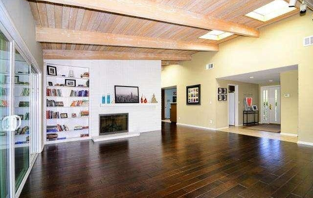 Living-Room-looking-to-Entry-Kitchen-entrance.jpg