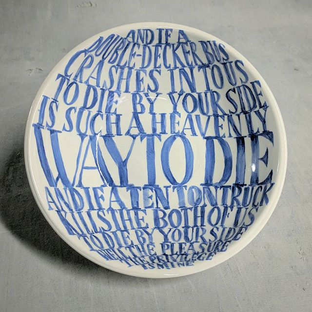 """This is a bowl that'll never be filled"" 🎶🎸 The Smiths x madebyjulene ceramics. 💜 . . . . #thesmiths #smiths #thereisalightthatnevergoesout #morrissey #johnnymarr #ceramics #ceramicart #ceramicartist #pottery #bowl #lyrics #lyricart #lowfire #craft #handlettering #instacraft #instaart #instapot"