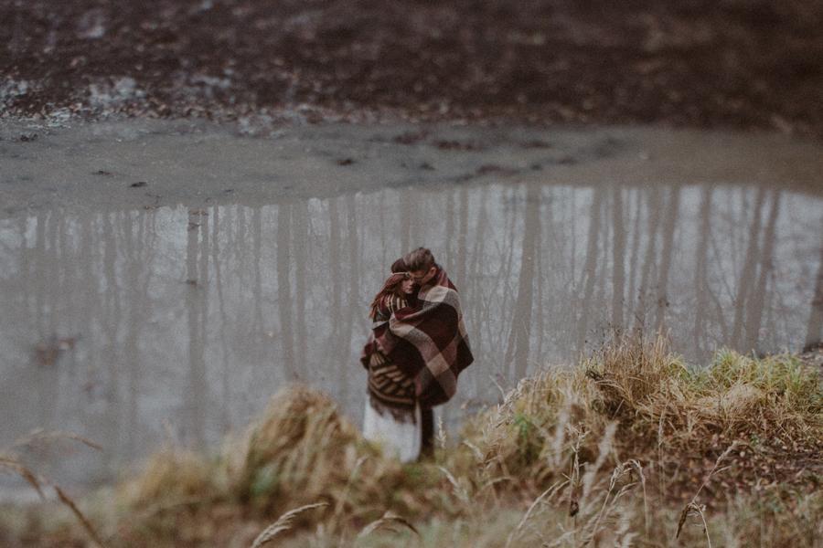 sesja-slubna-w-lesie-fotograf-slubny-poznan-032.jpg