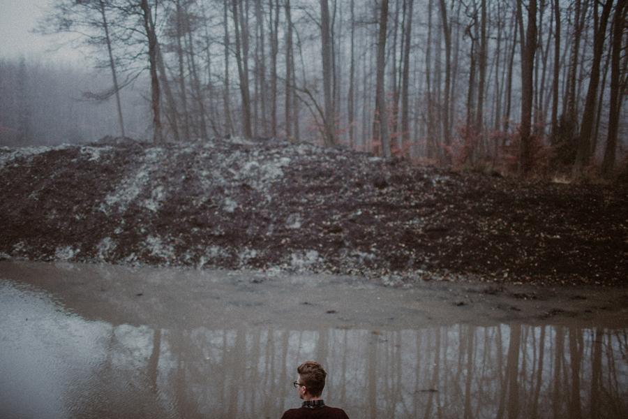 sesja-slubna-w-lesie-fotograf-slubny-poznan-034.jpg