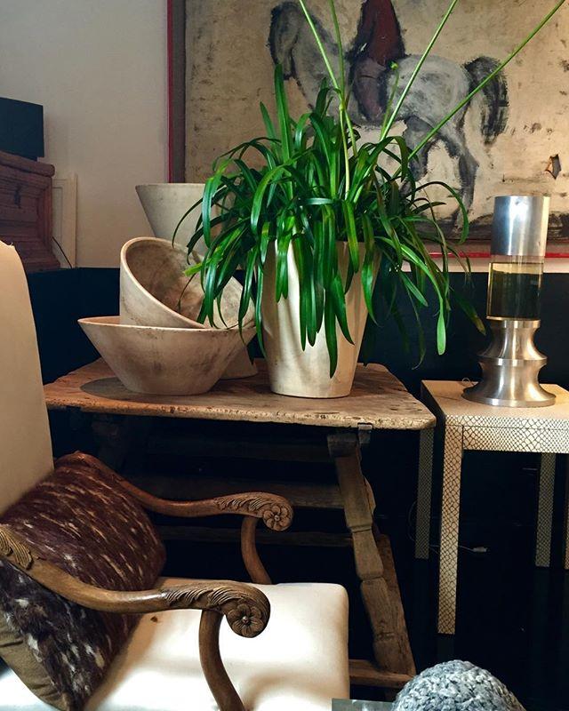 My showroom I love to miss!!! #roark #modern #European #treasures #styling #design #decorators #home #decor #architecture #beautiful #showroom...if I may say so! #change #good #love #newyork