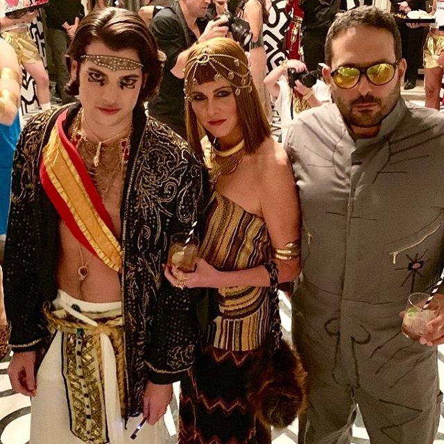 UN DEUX TROIS #halloween #newyork #keithharing #cleopatra #egypt #love @triplefar @harry_brant #popgoesthepharaoh