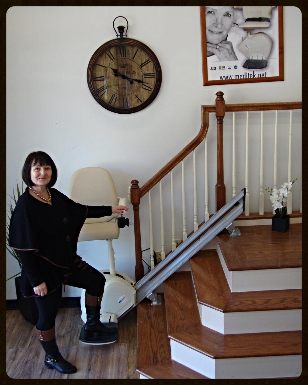 MediTek Stand & Perch Stairway Stairlift 003.JPG
