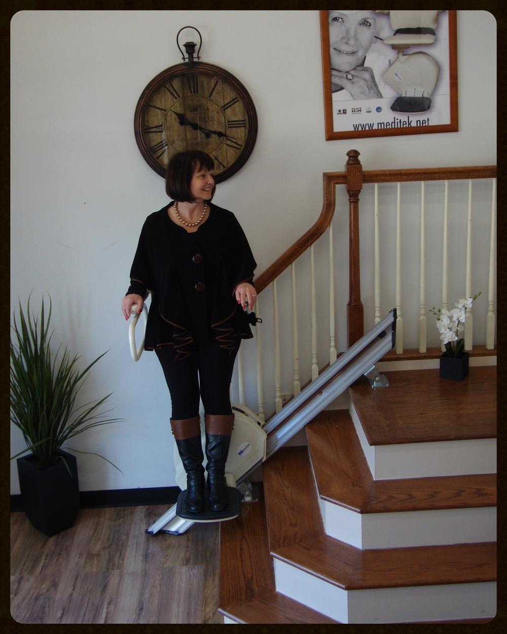 MediTek Stand & Perch Stairway Stairlift 004.JPG
