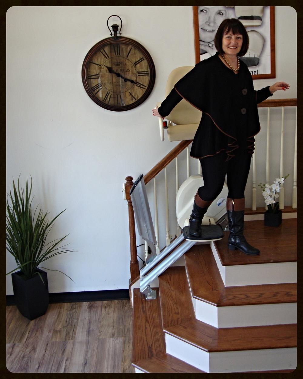 MediTek Stand & Perch Stairway Stairlift 016.JPG