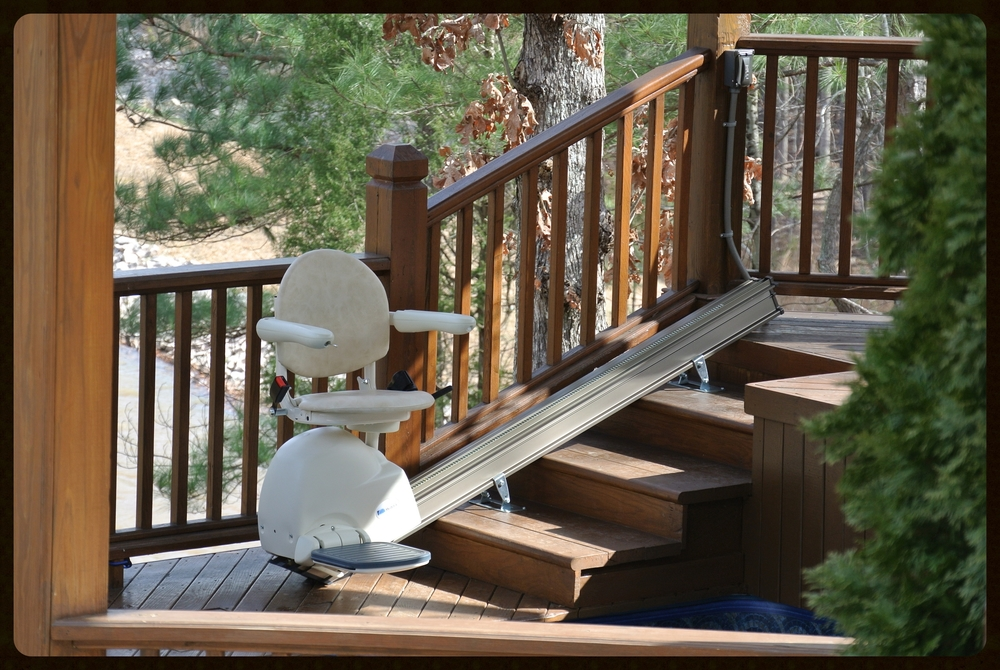 MediTek Stairlift by the lake