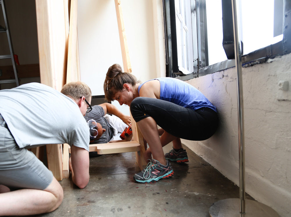 How many Ohioans does it take to assemble stairs? / Kelly is a fitness teacher and personal trainer and she is STRONG