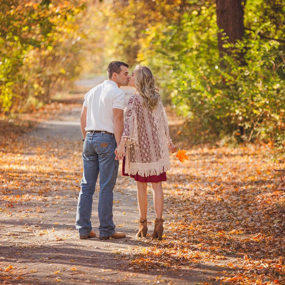 Missouri and Arkansas Wedding and Engagement Photographers