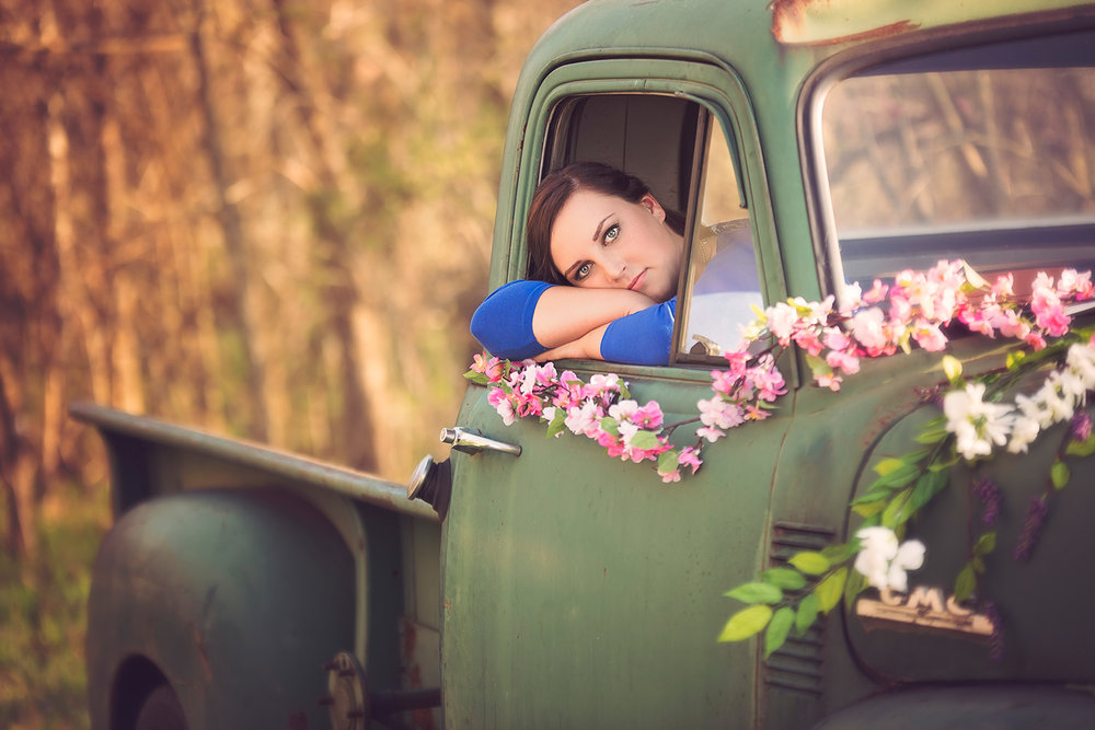 Spring Senior portrait session with vintage truck and flowers