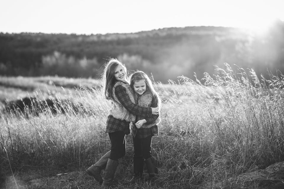 family posing made easy online pose photography workshop course | tess davis