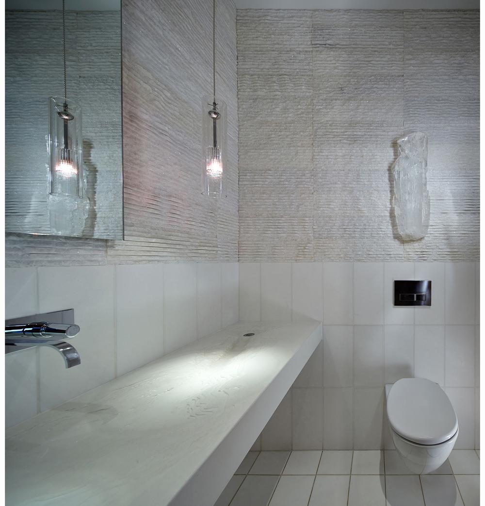 grace_14_winter_bathroom.jpg