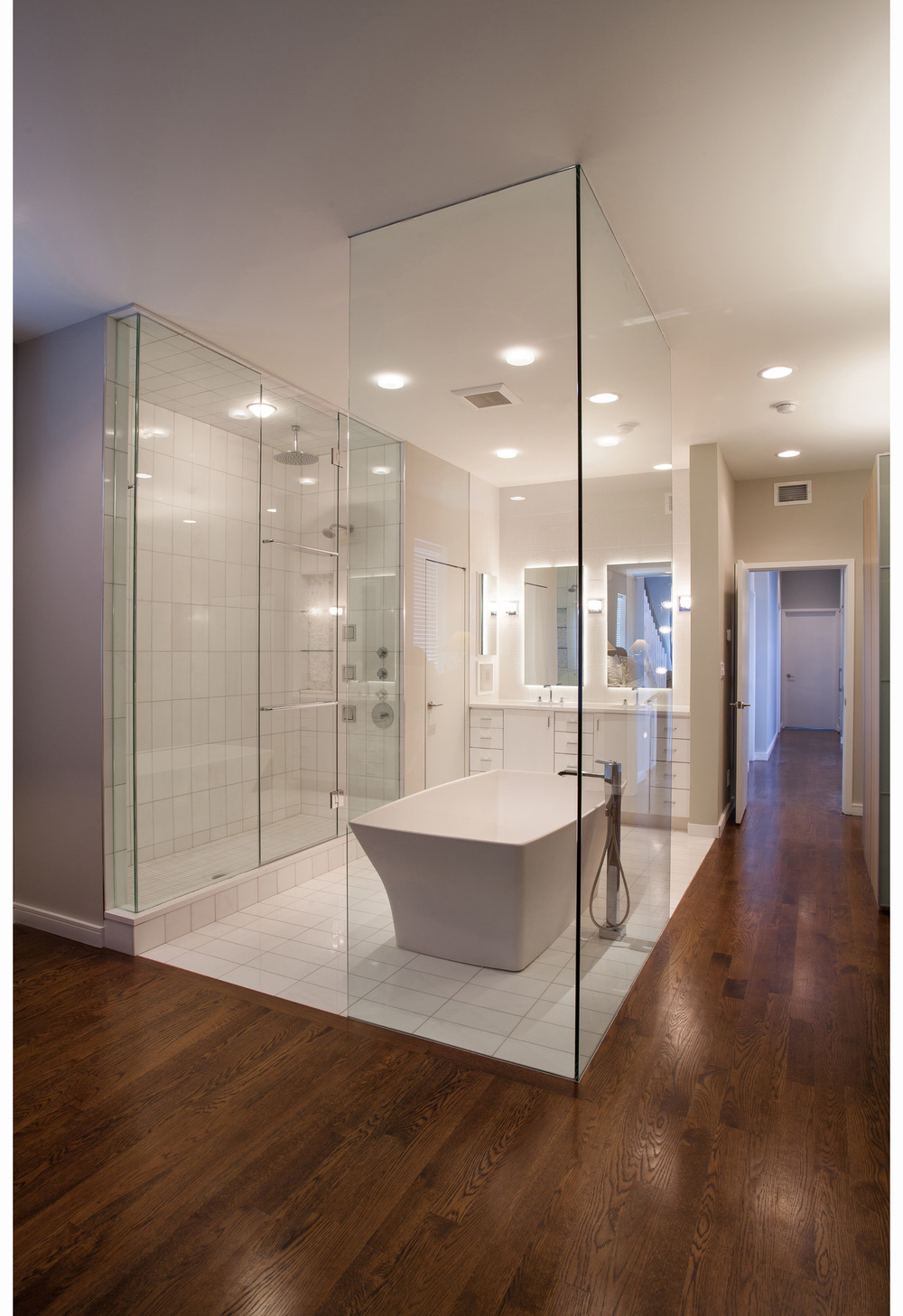 bucktown1_bathroom1.jpg