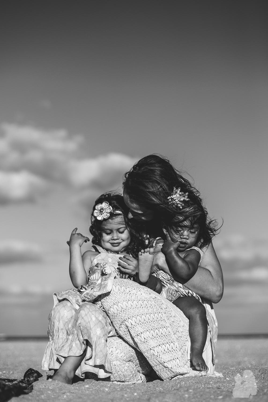 floridafamilyphotographer-boca-family-photographer-paulina-splechta-motherhood-birthphotographer-birth-center-hospital-home-birth-5.jpg