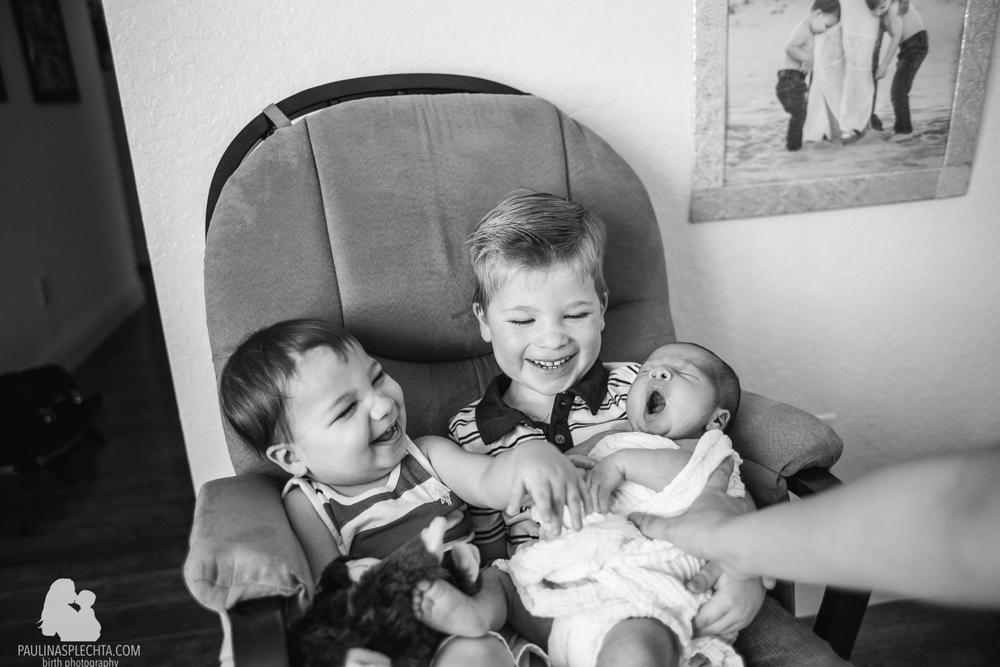 vbac-2vbac-birthwithoutfear-birthphotographer-midwife-womensmidwifery-christinehackshaw-kathyfair-21.jpg