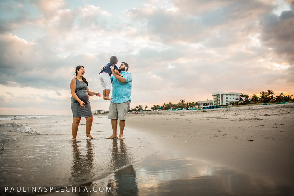 Maternity Newborn and Baby Photographer in Boca Raton Fort Lauderdale South Florida-17.jpg
