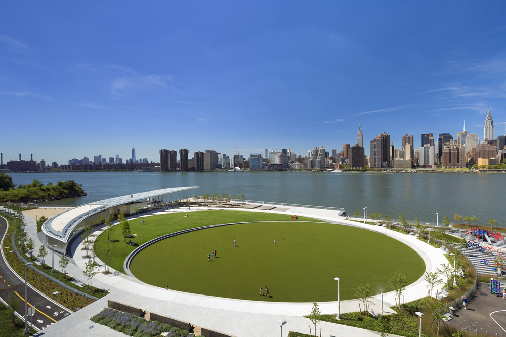 the-welcome-blog-tours-of-new-york-long-island-city-waterfront-in-queens-new-york