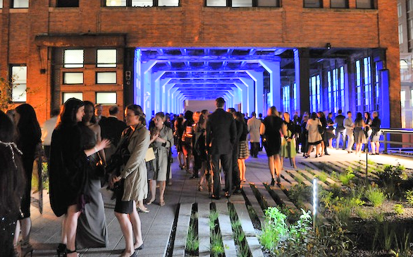 The High Line, passing through the Chelsea Market (Image: Google, 2016)