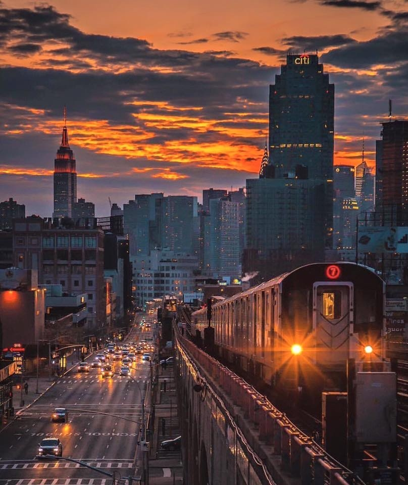 The 7 trains takes you to several places in Queens: Long Island City waterfront, Citi field, U.S. Open, Flushing-Meadow Park, and the Billie Jean Tennis National Center. To go to Astoria, take the N or Q trains. This photo was taken from 40th Street stop.