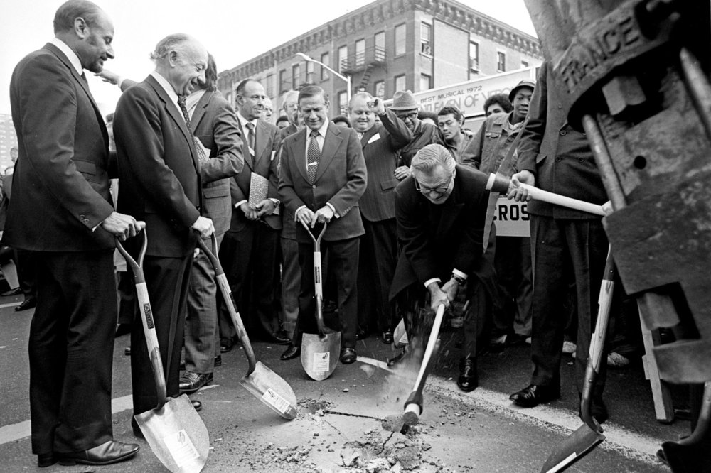 The Second Avenue groundbreaking in October 1972 ( IMAGE: NEAL BOENZI/THE NEW YORK TIMES )