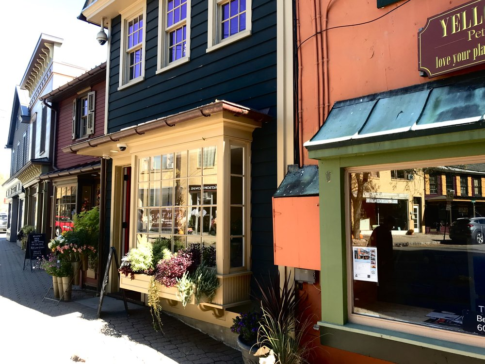 Boutiques along Bridge Street in Frenchtown, NJ