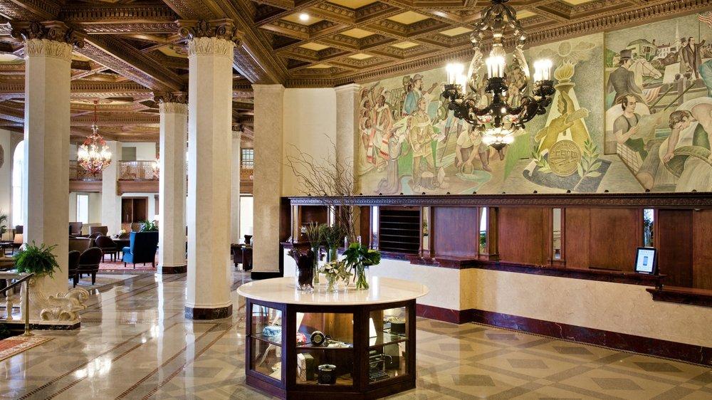 Historic and newly renovated Syracuse Marriott Lobby