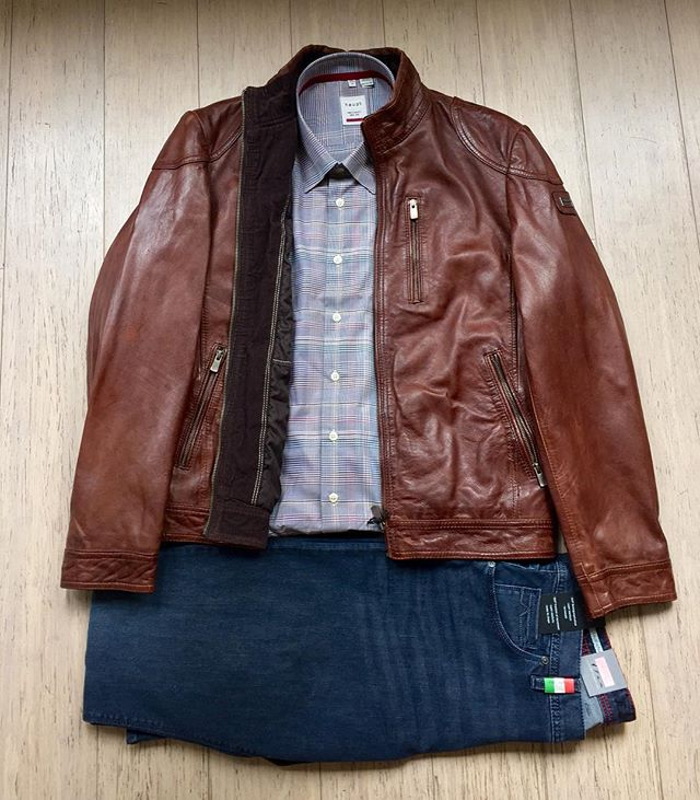 #LookOfTheWeek #Fall2016 collections are in the stores!! Pair our most comfortable @albertopants #Superfit denim with modern #Haupt shirt and soft rich brown leather jacket from #CarlGross  #menswear #fashion #style #schuyler4 #albertopants #hauptshirts #showroom #germanquality #stylist #f4f